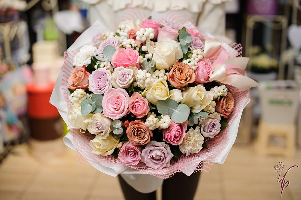 Букеты небе, чайная роза большие букеты цветов фото