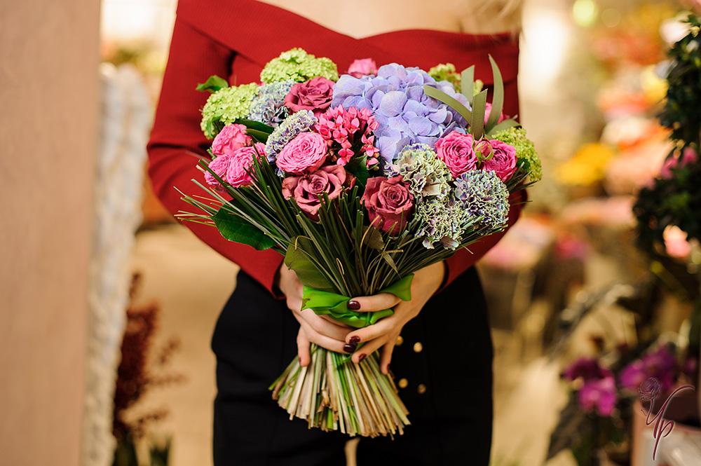 Букет цветов купить киров круглосуточно, невесты купить