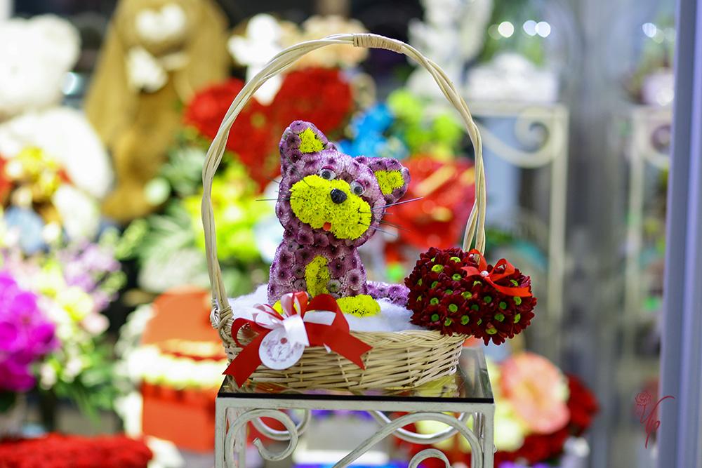 Оригинальная игрушка из цветов подходит на все случаи жизни